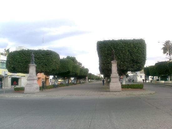 Arco Triunfal de la Calzada de los Heroes: Calzada de los Héroes. León, Guanajuato. Mexico