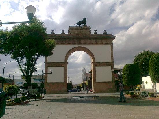 Arco Triunfal de la Calzada de los Heroes