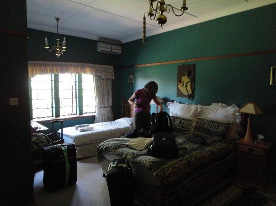 The Sleeping Bao B&B: The room