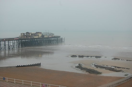 Seaspray Bed & Breakfast: View from our window (unfortunately we didnt have the greatest weather!)