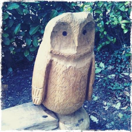 Whipsnade Tree Cathedral: Carved owl bench at the Tree Cathedral