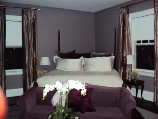 The Kemble Inn: another Kemble Inn room