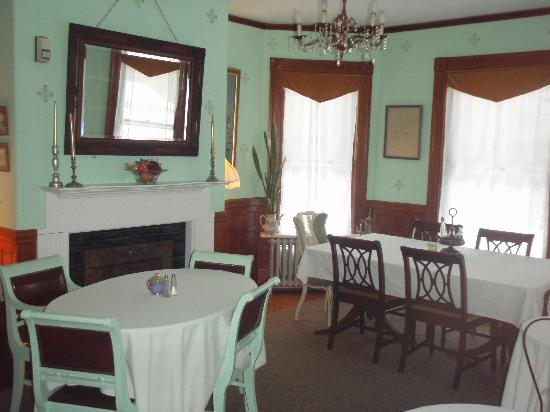Henry Whipple House: Dinning area