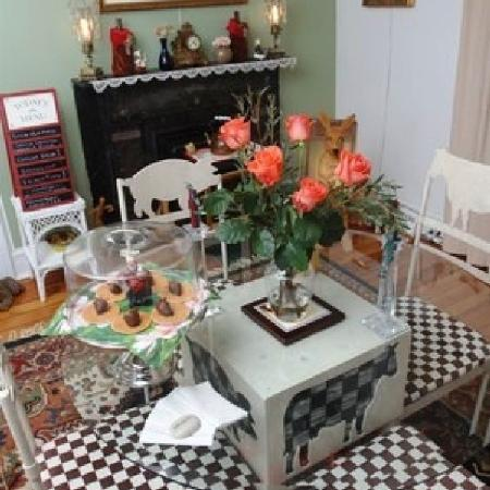 Stirling House Bed and Breakfast: The Breakfast Room