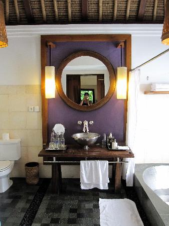 منتجع وسبا مايا أوبود: バスルーム