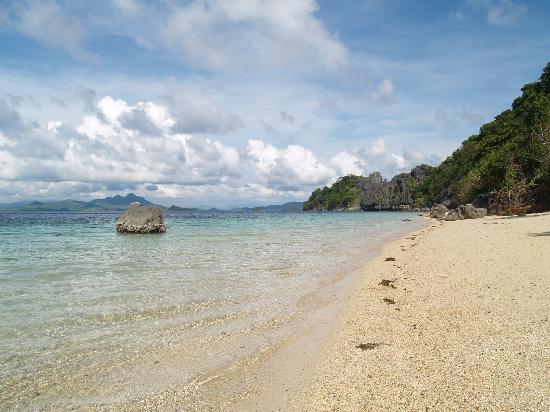 El Nido Resorts Apulit Island: ウェストビーチ