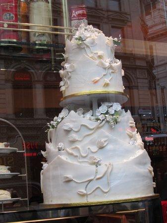 Caffe Concerto Wedding Cake