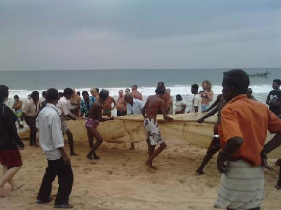 fishermen on hikkaduwa beach