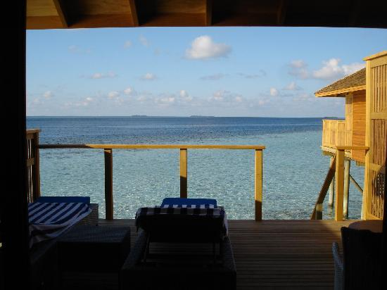 Vilamendhoo Island Resort & Spa: View from our room