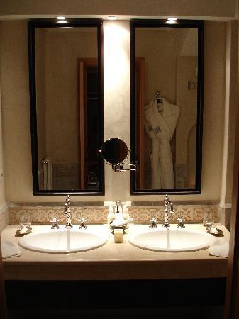 Riad Villa Blanche : Bathroom