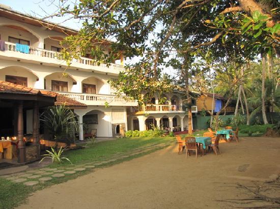 Sri Gemunu Beach Resort: Hotel