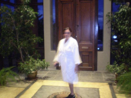 Unique Luxury Colony Hotel: entrada al spa