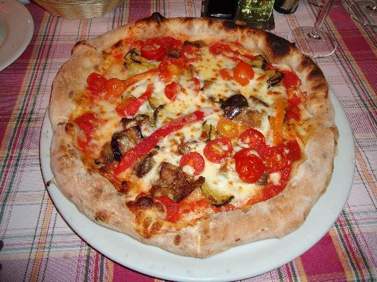 Il Leone Rosso Ristorante Pizzeria: Pizze Ortolana