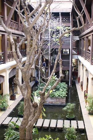 Victoria Angkor Resort & Spa: bassin intérieur