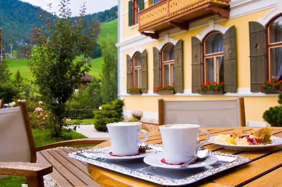 Hotel Monte Sella: Genießen Sie Augenblicke der Ruhe auf unserer Terrasse