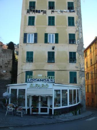 Il Faro : front view of the buildingwith the restaurant