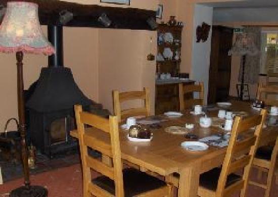 Old Brick Guesthouse: Breakfast Room