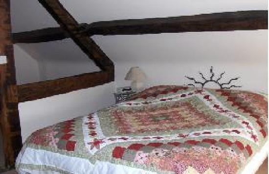 Old Brick Guesthouse: Willow Guest Room