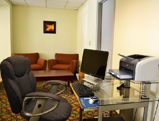 Days Inn Smyrna: Business Center