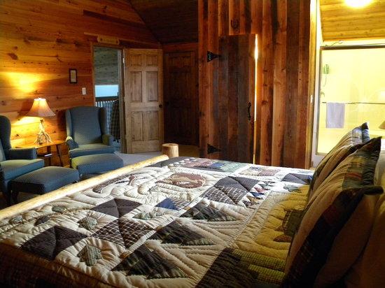 The Lodge at Mark Twain Lake: Loft Suite