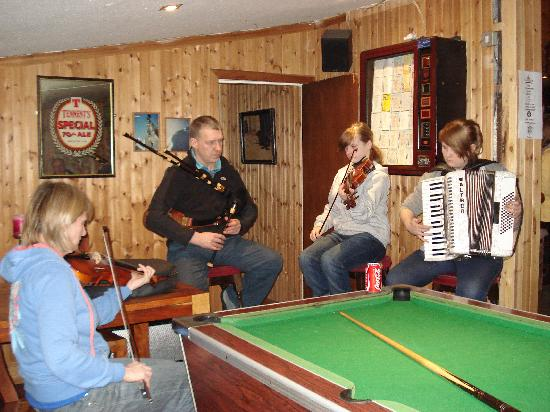 Kincraig, UK: Enjoy traditional music