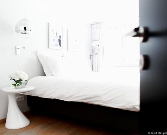Villa Sablon: White Room 2