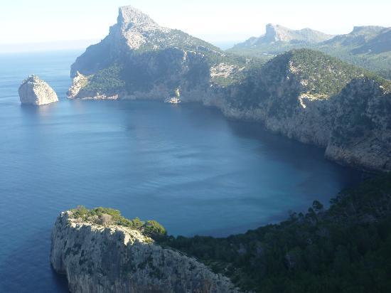 Formentor, Espagne : schroffe Felsenküste
