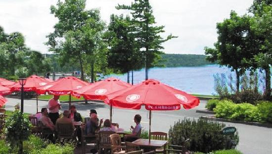 Hotel & Spa Etoile-sur-le-Lac: Terrasse du restaurant