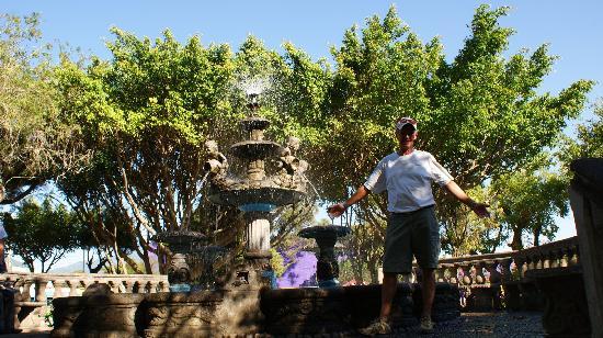 Royal Decameron Salinitas: Juayua fountain town square