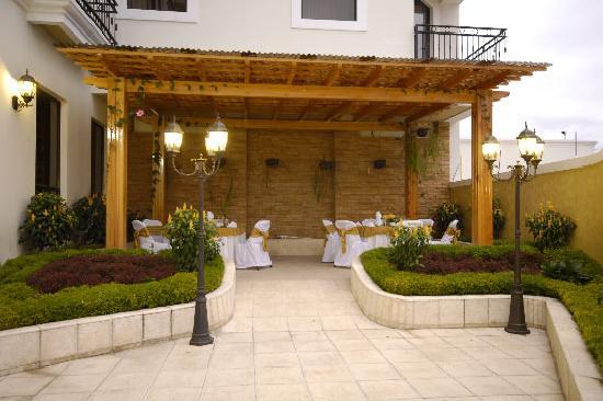 Huehuetenango, Guatemala: Garden Cafe