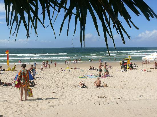 Ocean Breeze Resort: noosa beach