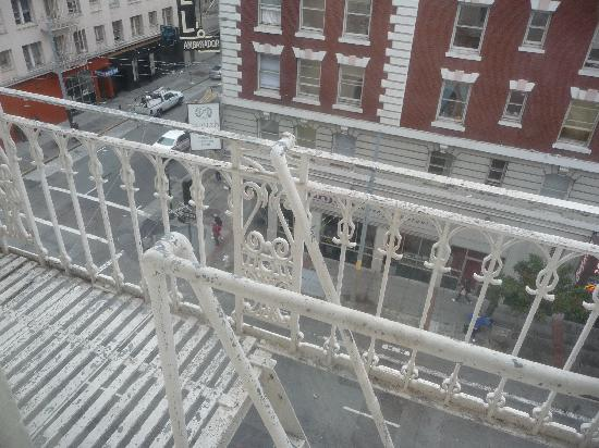 Hotel Bijou: dalal finestra della 507