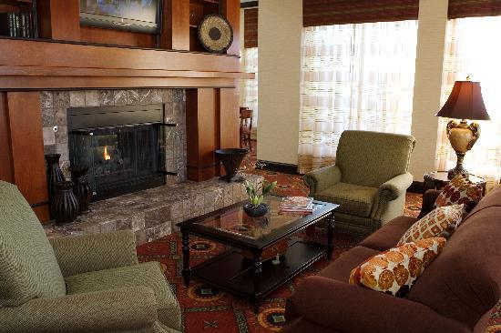 Hilton Garden Inn Tupelo: Come enjoy our living room