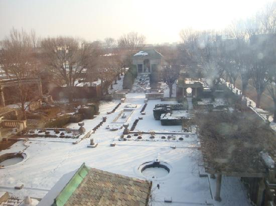 The Inn at Irwin Gardens: Morning view from our window.
