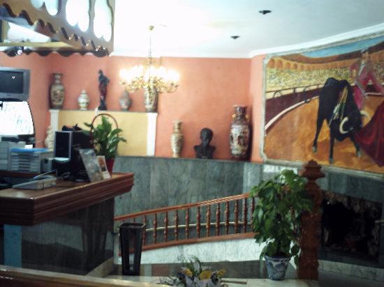 Hotel Manolete: ENTRADA