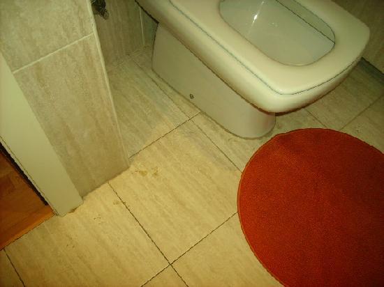Parque Ciutadella Apartments: el baño