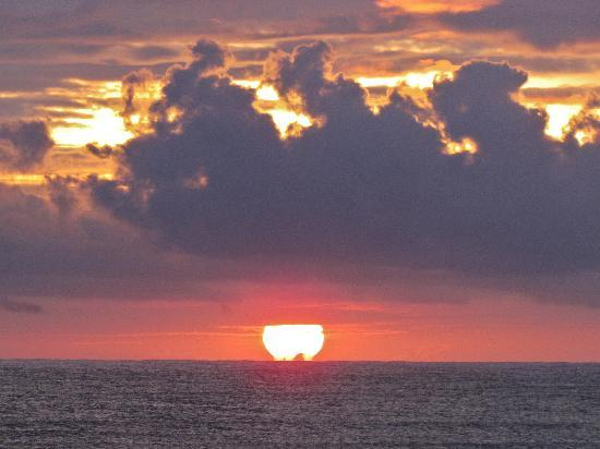 Waipouli Beach Resort: A Beautiful Sunrise Daily!