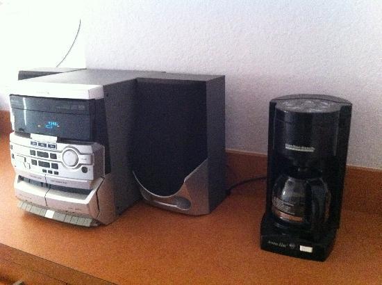 Ocean Spray Hotel: stereo e macchina per il  caffè!