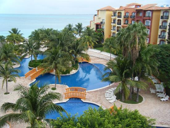 Fiesta Americana Villas Cancun: Our view and the pools below