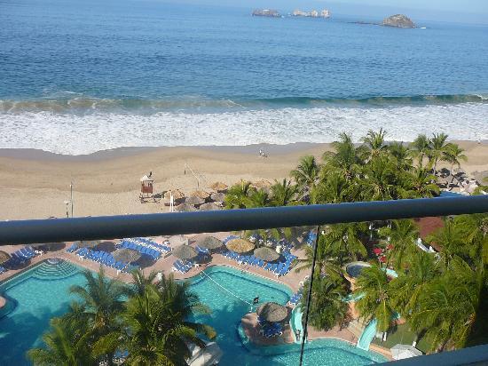 Sunscape Dorado Pacifico Ixtapa: una vista de el bacon