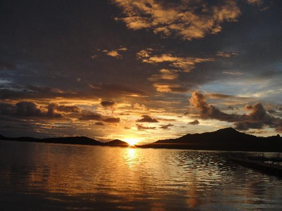 Turtle Island Resort: Sunset over the Blue Lagoon