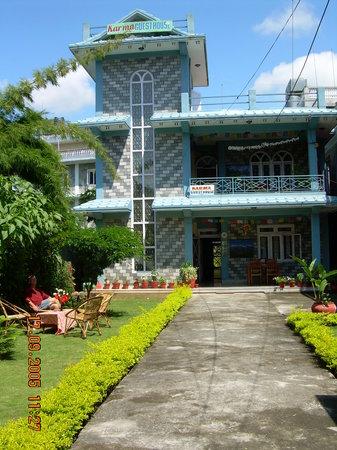 Karma Guest House: Guesthouse garden.