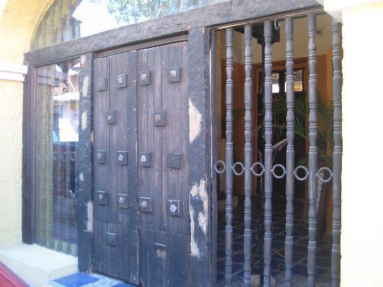 La Vina : Behind door #1 is a great experience