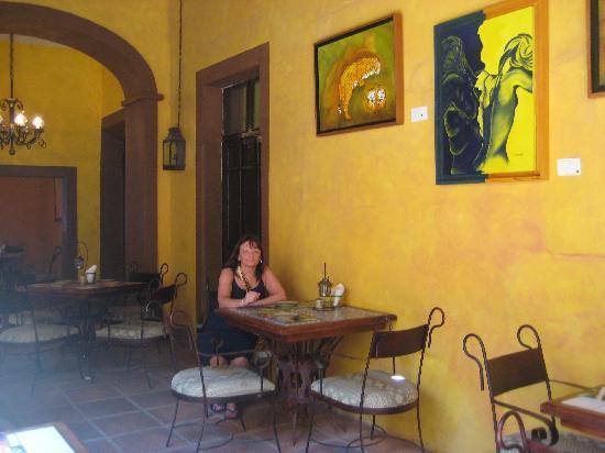 La Vina : ...and beautiful clientele...