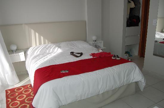 Apart Hotel Via 51 : cama
