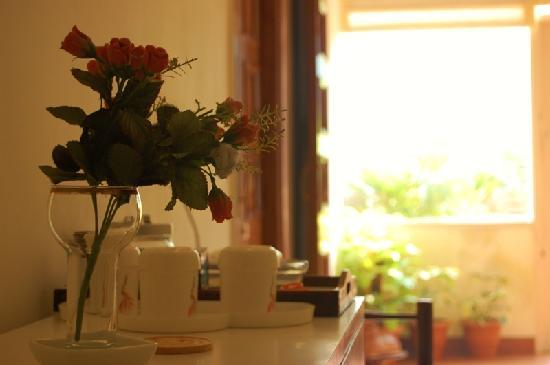 Jorbagh BnB: Coffee Counter