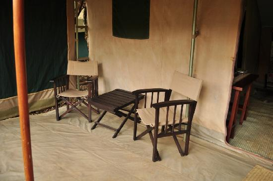 Nairobi Tented Camp: Sitting area outside the tent