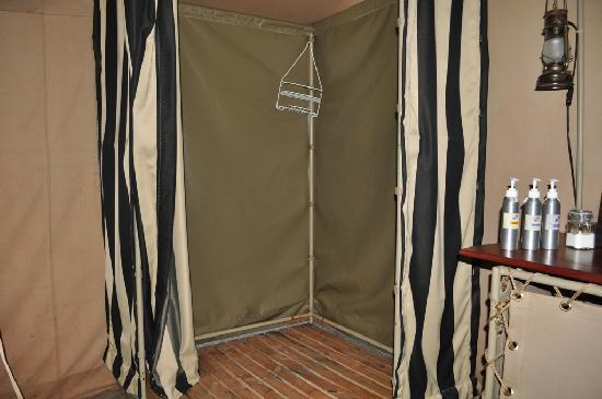 Nairobi Tented Camp: Shower area
