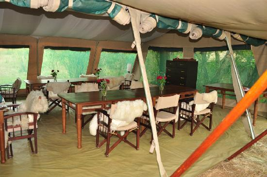 Nairobi Tented Camp: Dining tent