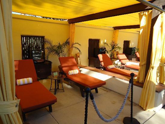 Estancia La Jolla Hotel & Spa: The cabanas